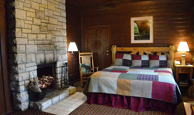 Guests enjoy the cozy cabins inside Starved Rock State Park.